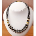 COLLIER HEMATITE DOUBLE RANG NACRE CARRE